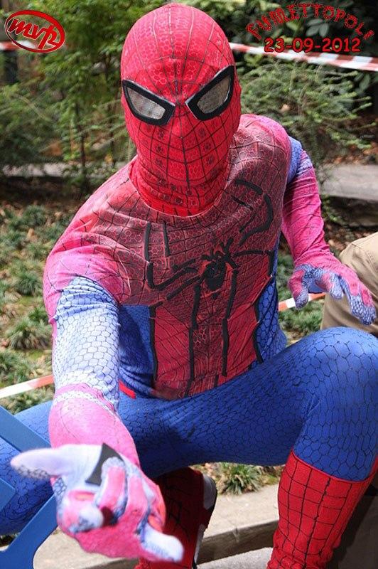amazing spiderman costume replica by johnnykoru on DeviantArt