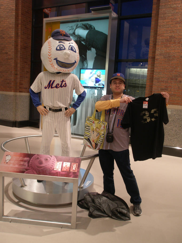 04-17-2015 - Me with Mr. Met 2 by latiasfan2004