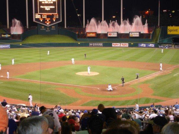 Royals vs. Yankees by bluetogray