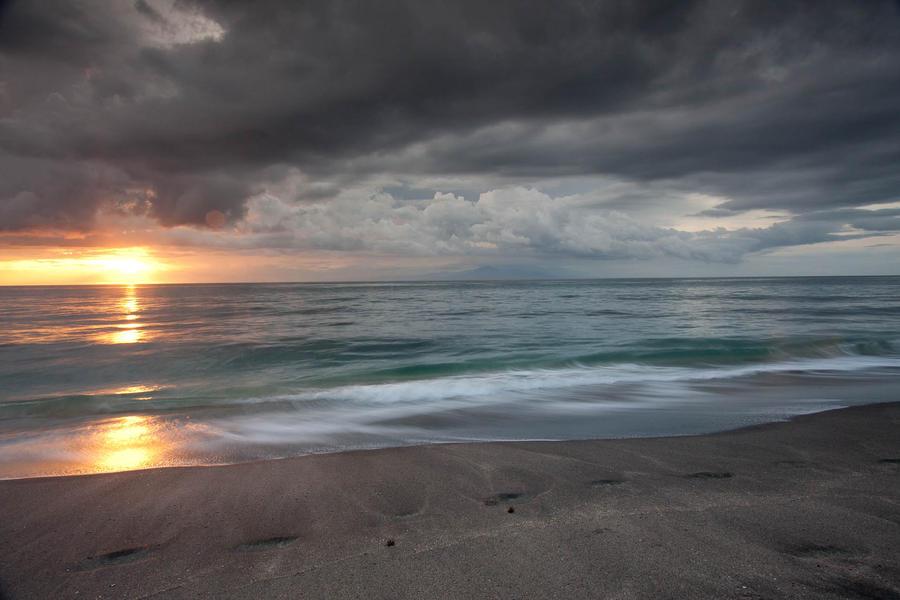 Endless Ocean Waves