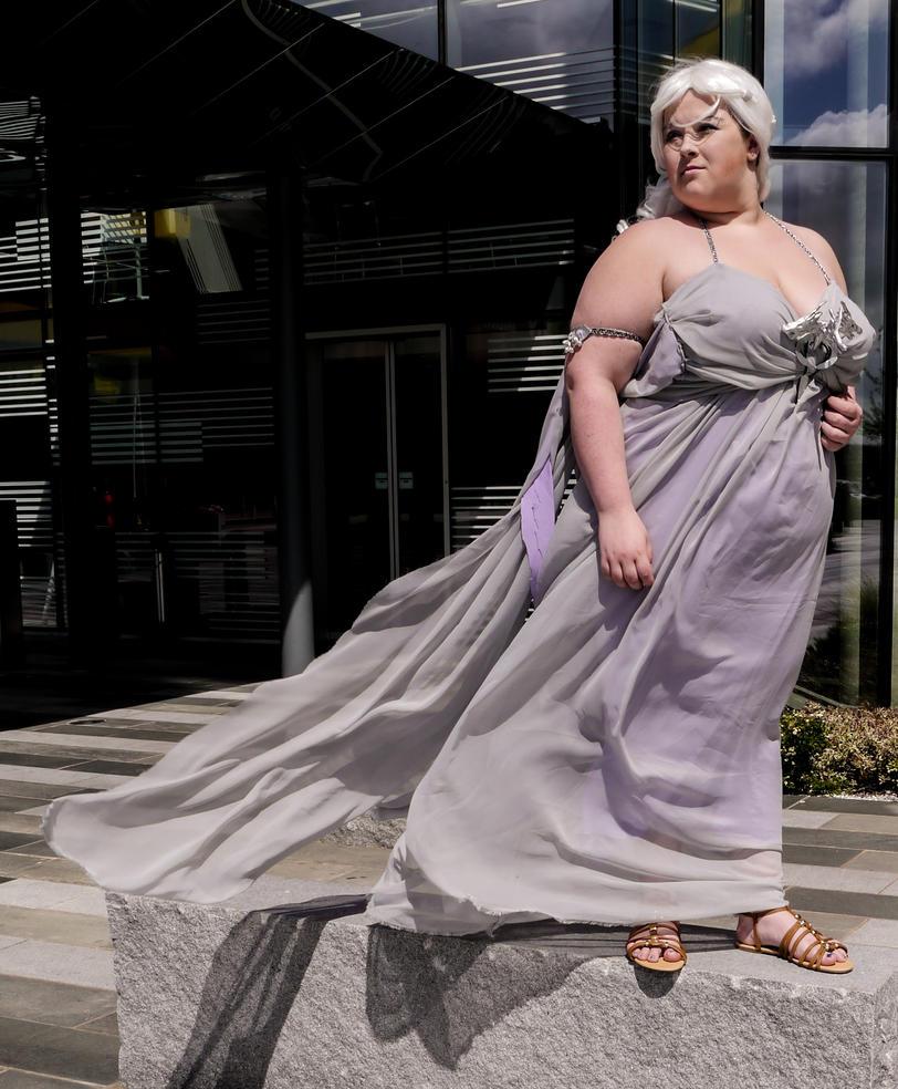Daenerys Targaryen Cosplay - Game of Thrones by blissfulbanana