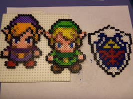 Bead Sprites Link, VioLink, and Hylian Shield by shmad380