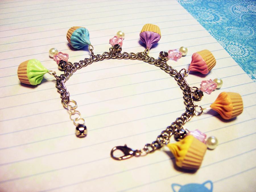 Rainbow Cupcake Bracelet by pinkDudu