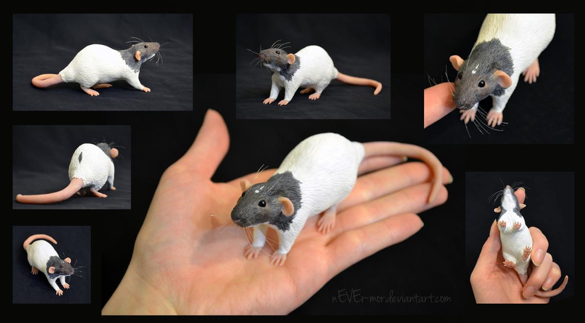 Simon Dumbo Rat - Sculpture by nEVEr-mor