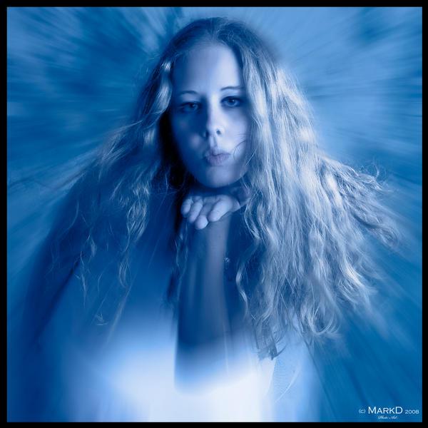 Plavo kao ... - Page 5 L_M_Frigid_Kiss_by_MarkD002