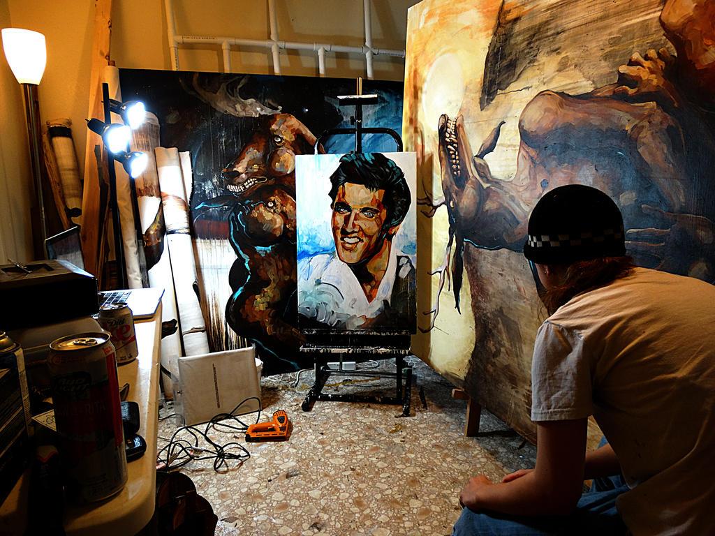 Studio 1 by blackvragor
