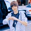 http://fc07.deviantart.net/fs51/f/2009/314/4/4/Justin_Bieber_2__icon_by_donttrustlizzie.png