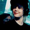 http://fc03.deviantart.net/fs50/f/2009/314/2/b/Justin_Bieber_9__icon_by_donttrustlizzie.png