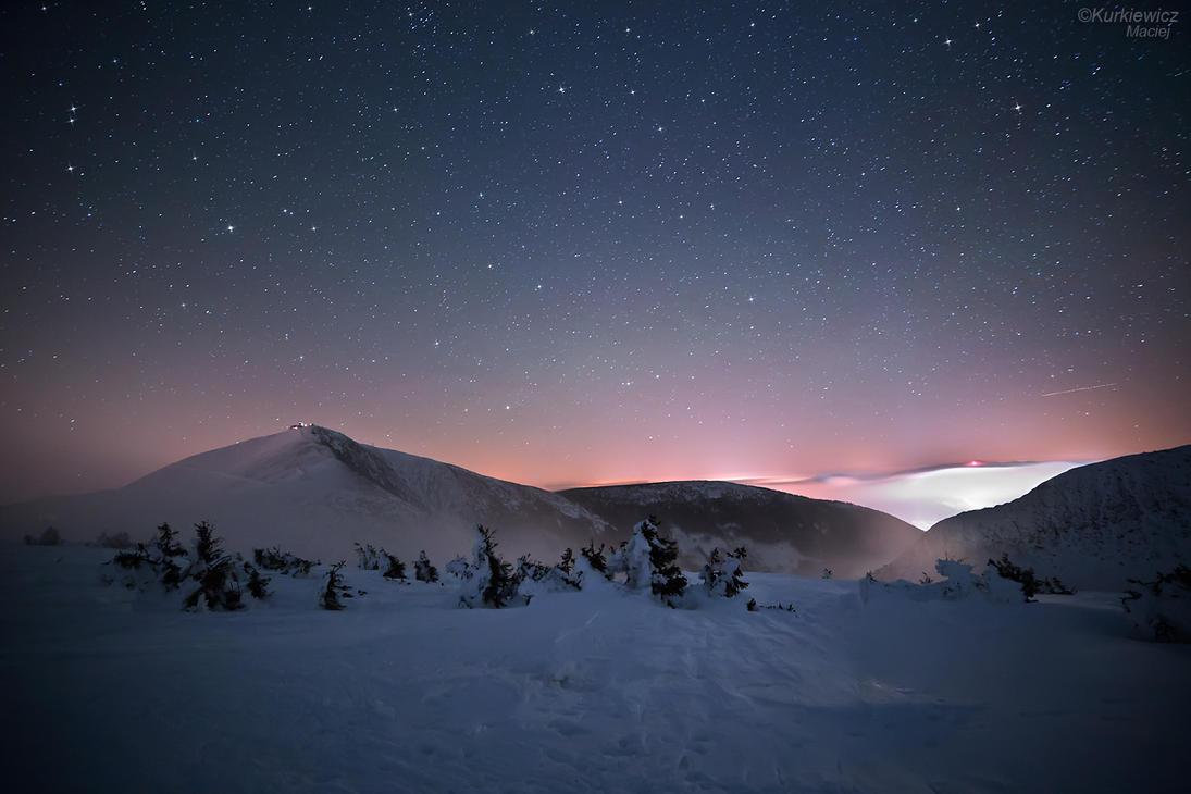 Giant Mountains by Sesjusz