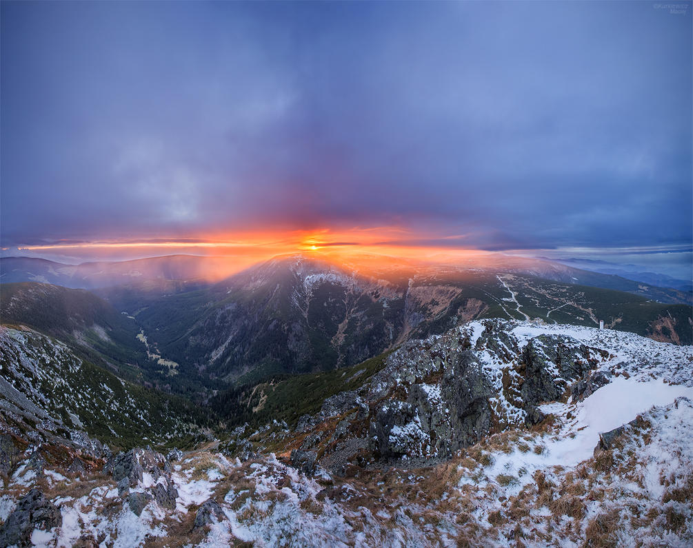 Sunset in Giant Mountains by Sesjusz