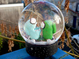 Among us Snow Globe