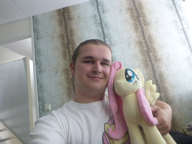 Me and Fluttershy, together for a year ( 2 ) by verolesh