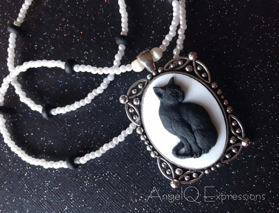 Chat Noir Beaded Cameo Necklace by SpellsNSpooks