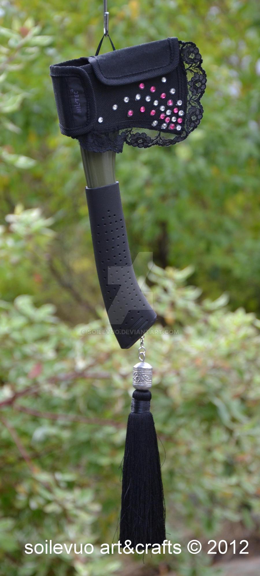 Hiking axe modified by soilevuo