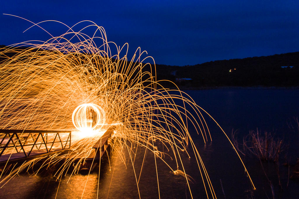 Fire Streaks by xLindarielx
