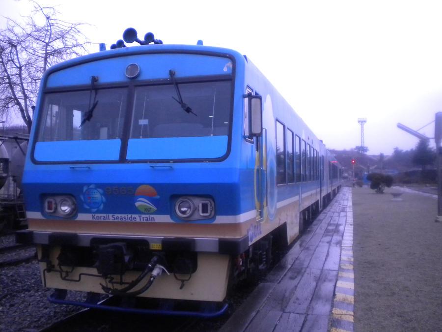 Vozovi Seaside_train_2_by_duddnjs980509-d4mmyna