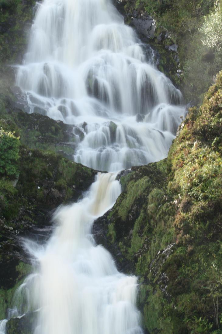 Waterfall III by fynnichen