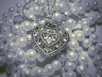 Silver Heart by Ninelyn