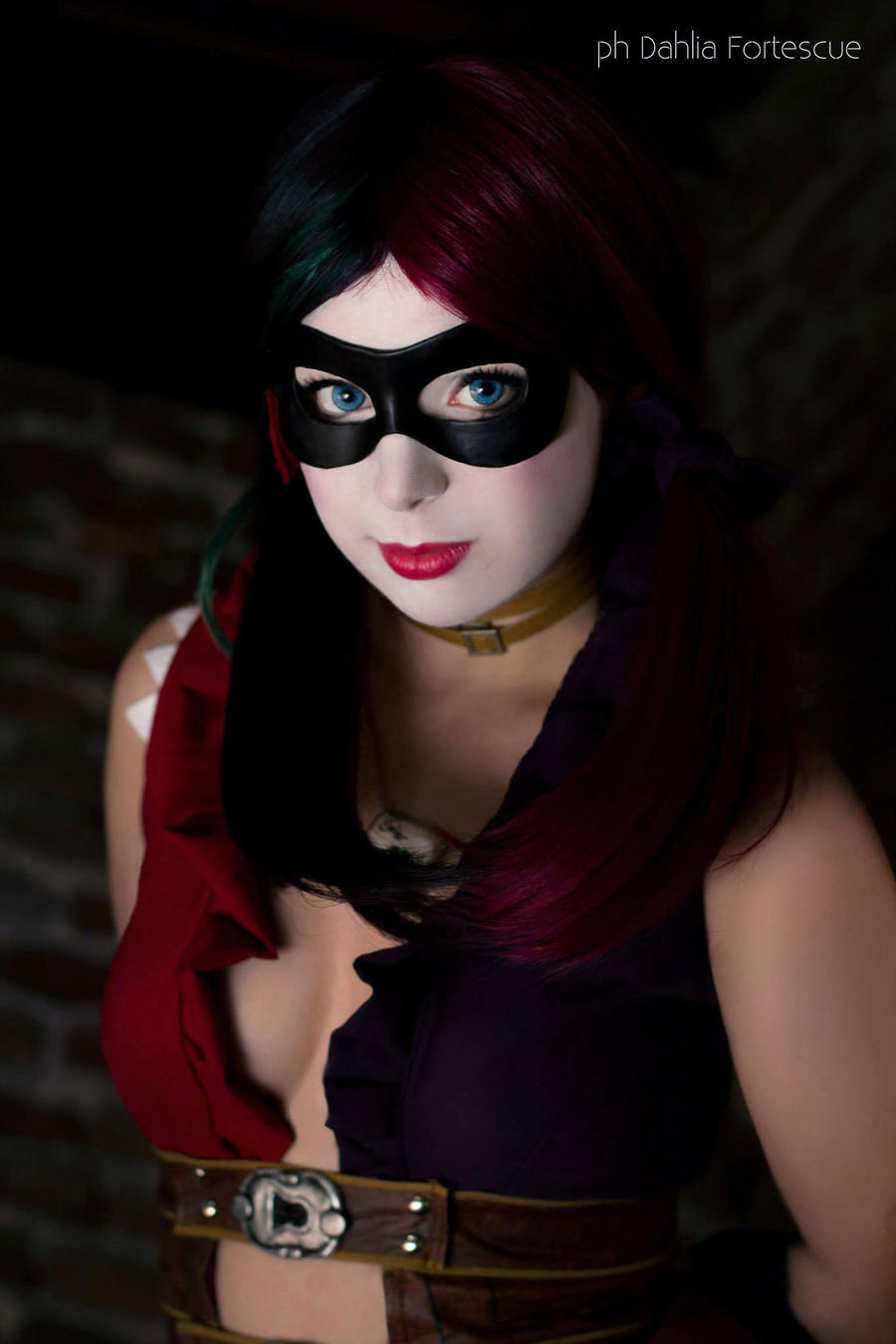 Harley Quinn - Injustice: Gods Amongs us - Cosplay by Thecrystalshoe