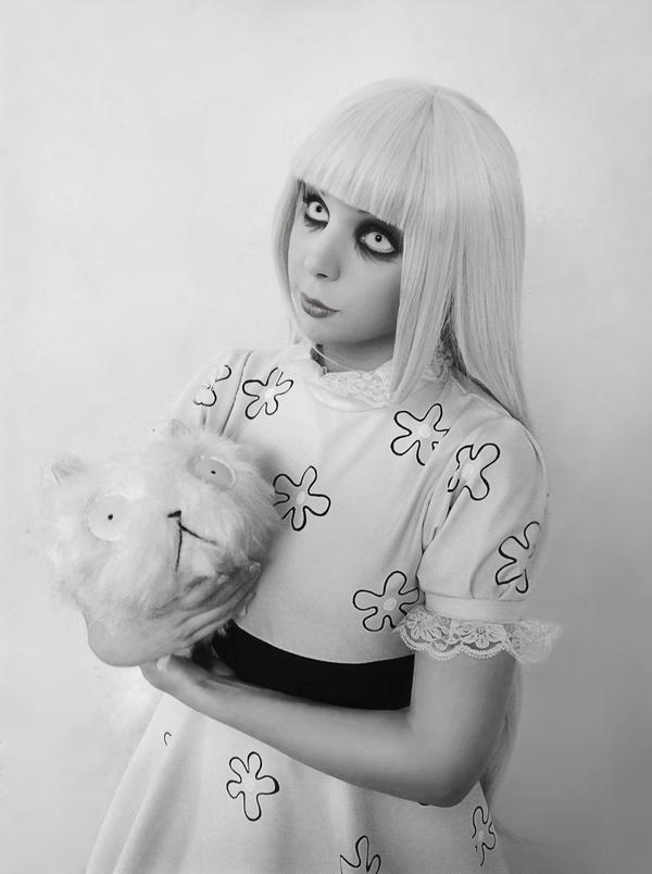 Weird Girl - Frankenweenie Cosplay by Thecrystalshoe