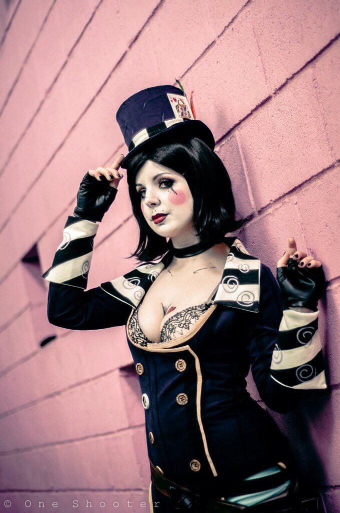 I love to watch you work - Mad Moxxi Cosplay by Thecrystalshoe