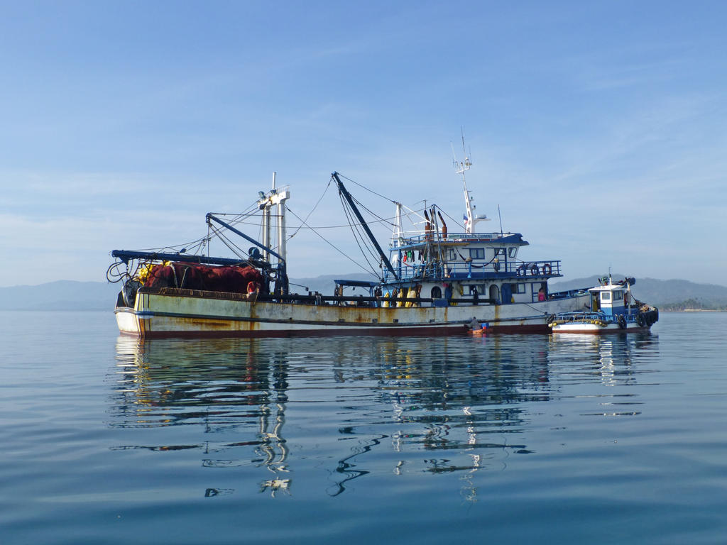 Fishing Boat by iskarlata