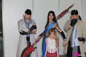 Expomanga FFXIII cosplay group by ErinSparian