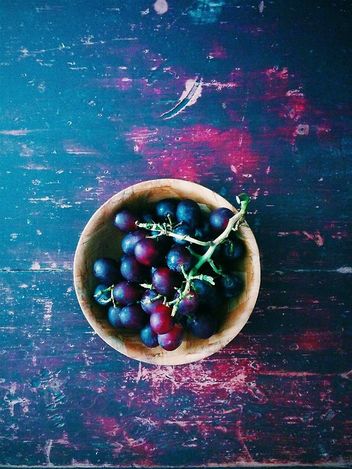grapes by upn-down