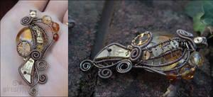 Amber steampunk pendant II by ukapala