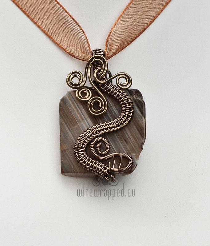 Chinese dragon pendant by ukapala