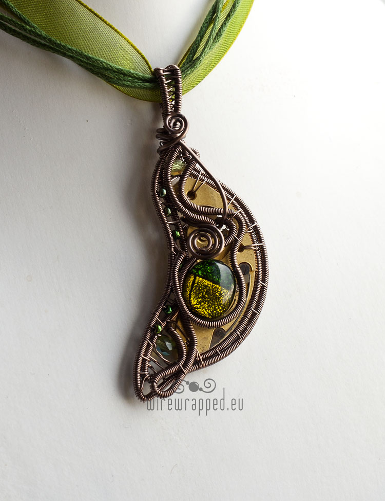 Steampunk leaf pendant by ukapala