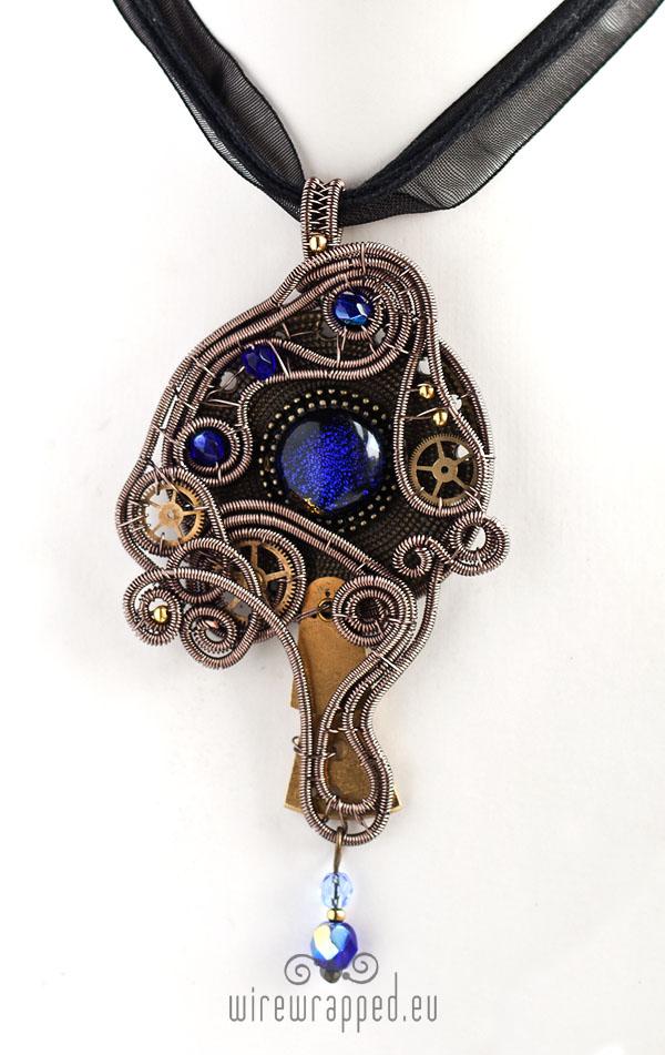 Cobalt glass eye pendant by ukapala