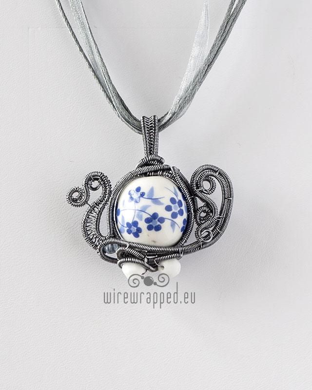 Porcelain Teapot pendant by ukapala
