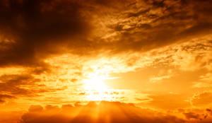 20170915 182449 Red Sun Sky STOCK