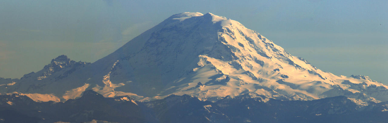 Mount Rainier by vmulligan
