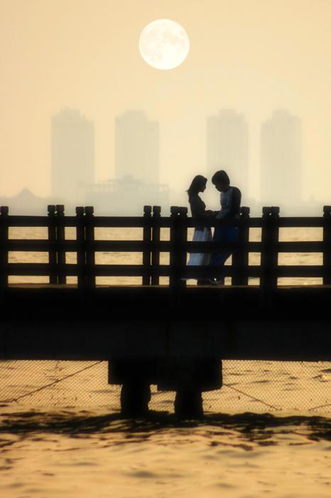 romantic moment by fendra