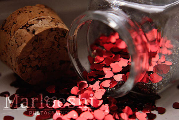 Jar of hearts by Marloeshi
