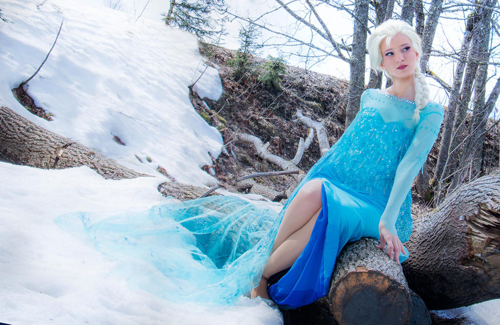 The Cold Never Bothered Me Anyway by Para0Doll