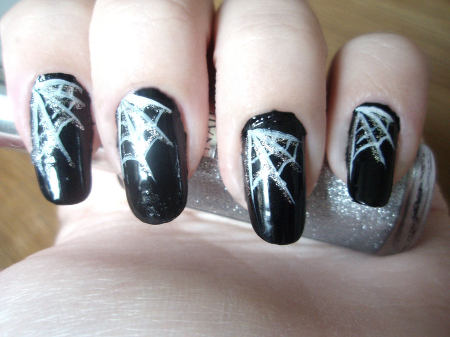 Spider web nails by NnNiLe