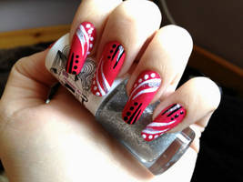 Striped red nails by NnNiLe