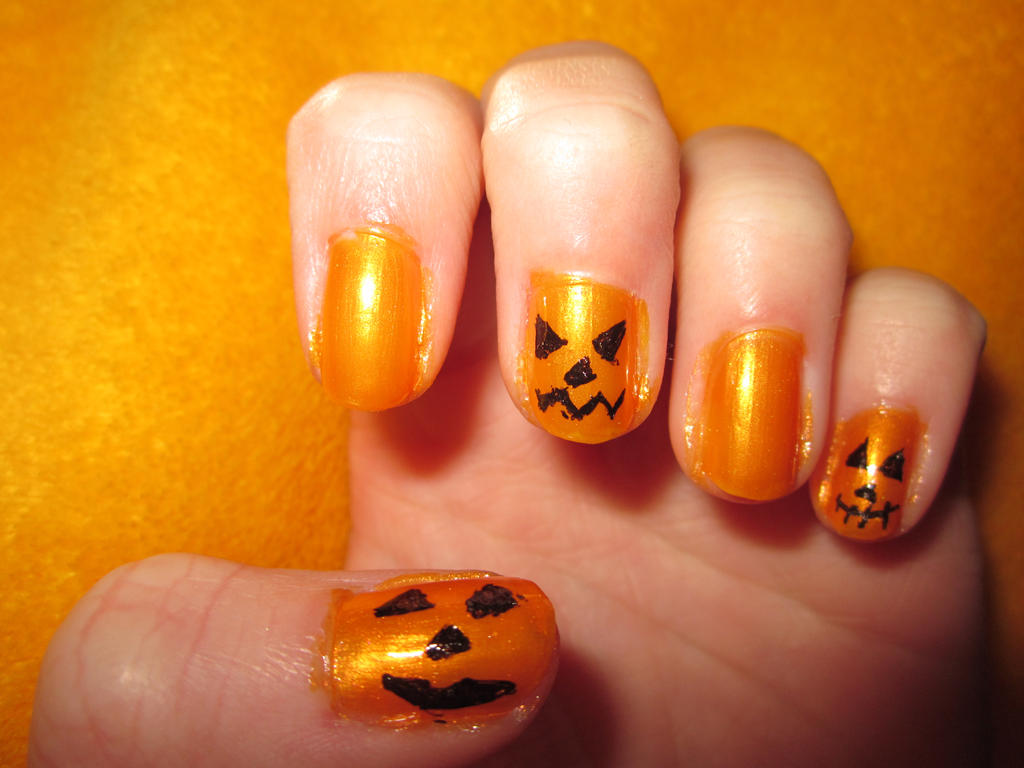 Halloween- Jack-O-Lanturn nailart by tay-bear