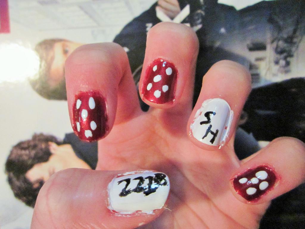 221B BakerStreet- Sherlock Nail Art by tay-bear