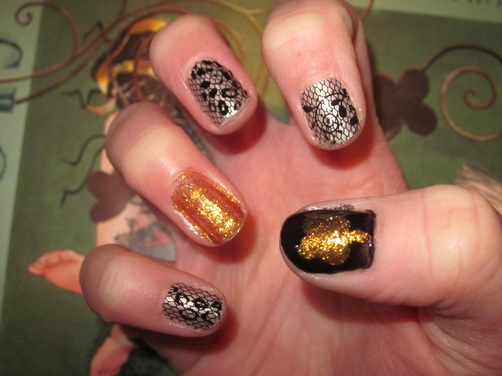 CLAMP Clover Nail Art by tay-bear