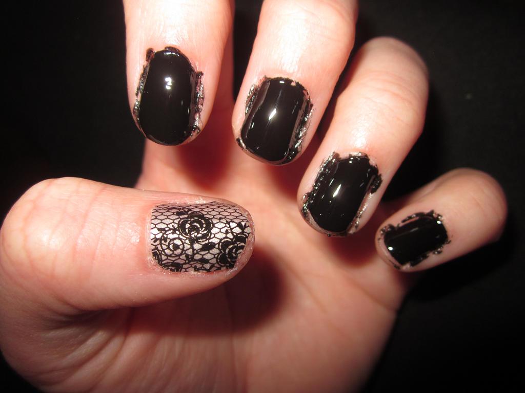 Little Black Nail Art by tay-bear