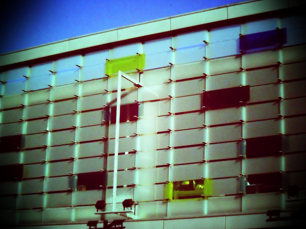 Paljon opaalilasi-ikkunoita by juhtolv