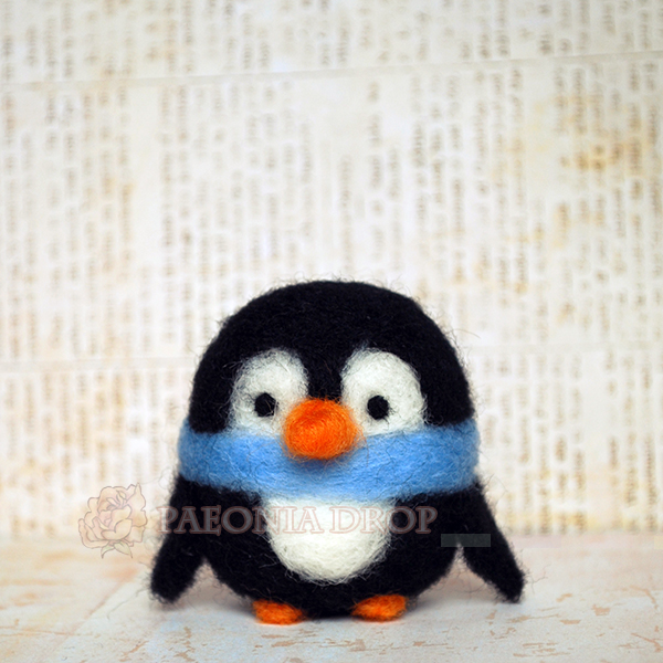 Little Penguin by ShadowedPorcelain