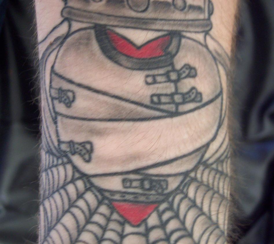 Straight Jacket Tattoo 8Qd4T2