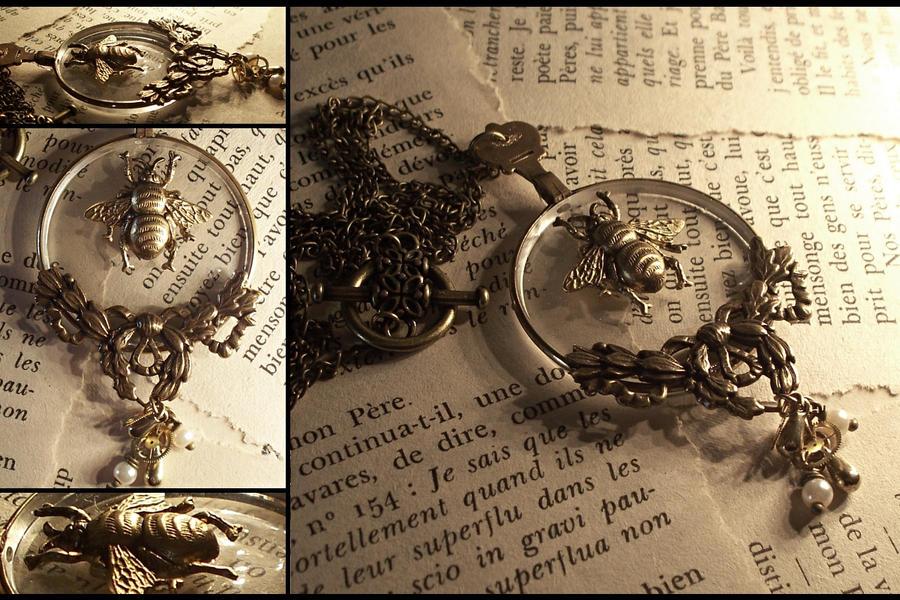 Specimen Steampunk Necklace by hrekkjavakaastarkort