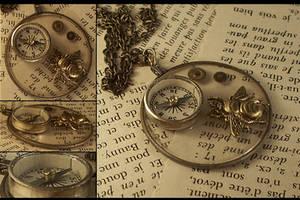 The Traveller's Necklace by hrekkjavakaastarkort