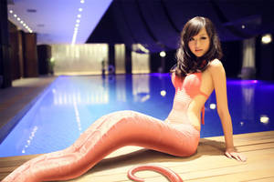 By The Swimming Pool by jaserzhang